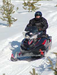 What Should I Wear When I Go Snowmobiling?